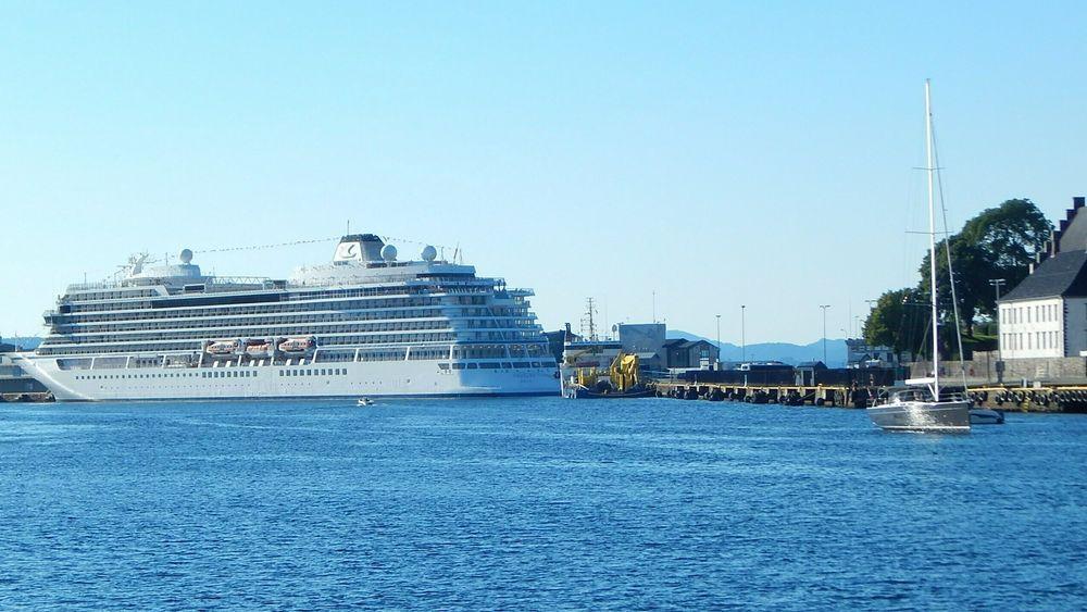 Skip kan få landstrøm på Skoltegrunnskaien i Bergen
