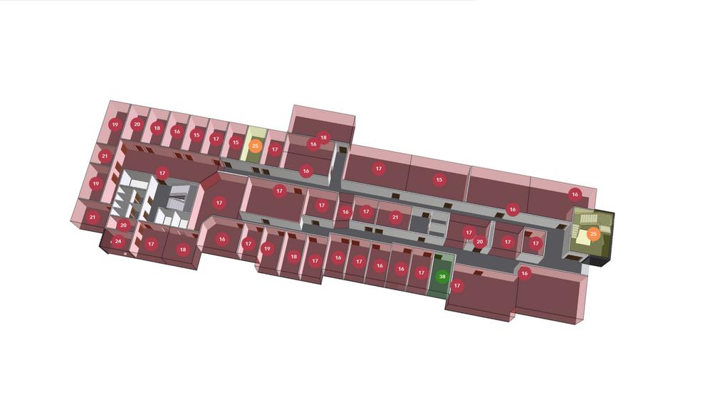 Nye, smarte bygg er ofte tørre og ugunstige for oss mennesker å oppholde seg i. Her et eksempel fra PropTech Bergen med varsellamper på fuktsensorer.