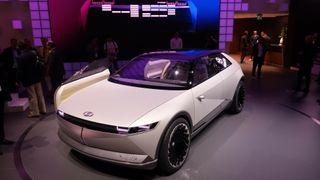 Hyundais konseptbil 45 ser du neppe på veien.