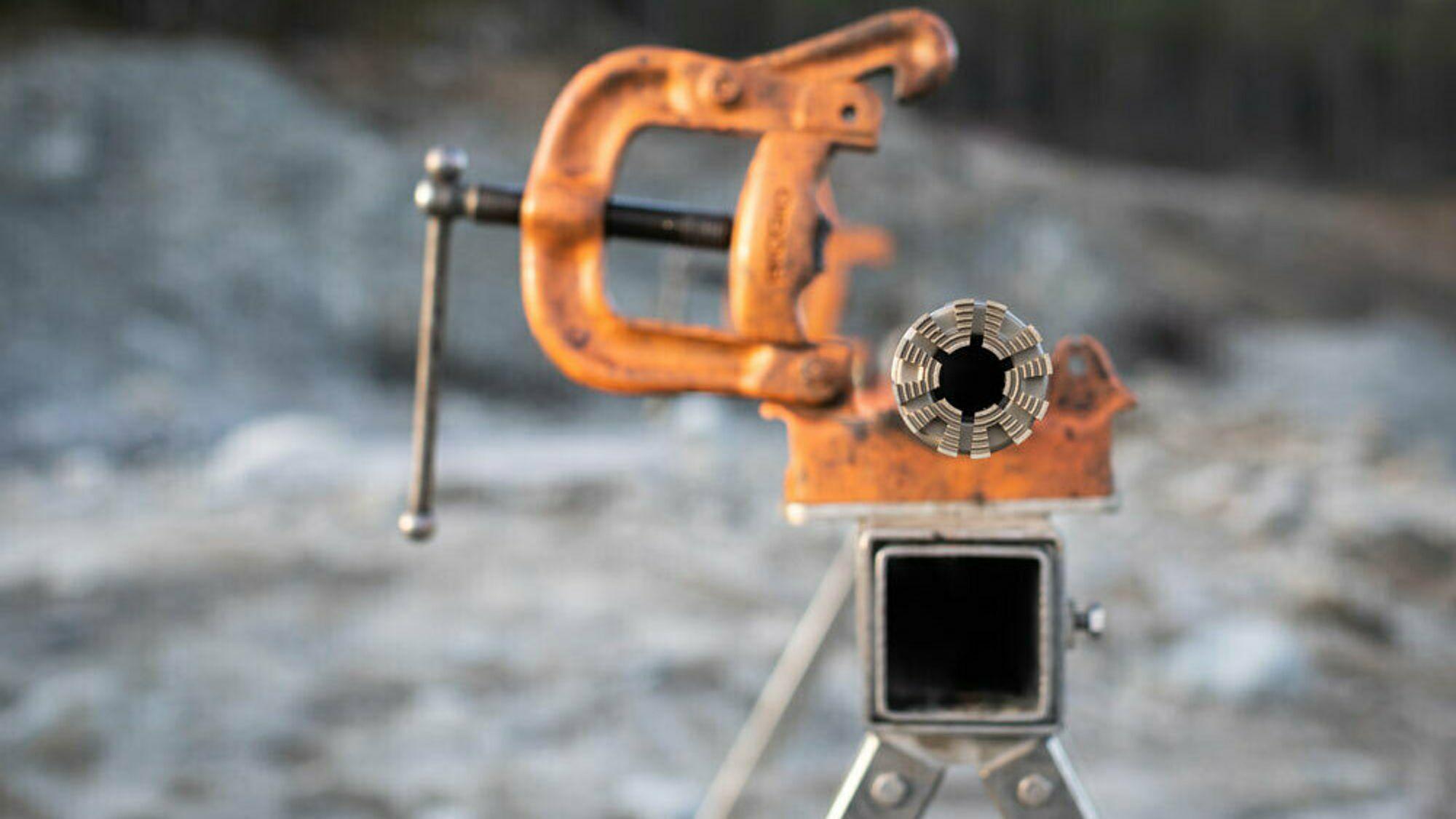 Devico mente oppstartsbedriften Aziwell kopierte deres teknologi for å lete etter sjeldne mineraler.