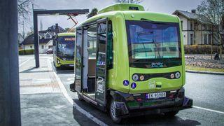 Norsk by først i Europa: Selvkjørende minibusser kommer hjem til deg på bestilling