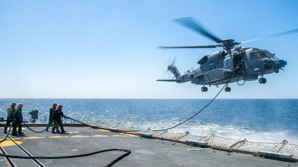 Dette er et CH-148-helikopter som fyller drivstoff i 2017.