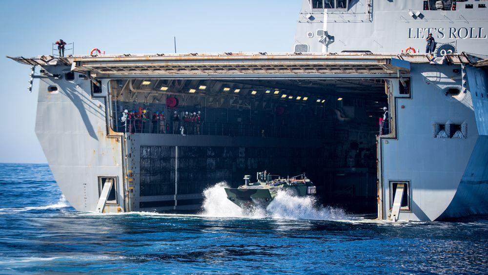 US Marine Corps tester den nye ACV  fra USS Somerset (LPD 25).