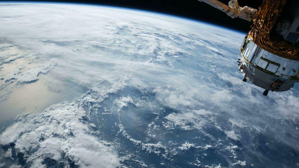 Norge har nå en robust og konkurransedyktig romvirksomhet. Utvikling av ny teknologi og nye tjenester har blitt raskere og billigere takket være nettopp teknologiutviklingen, påpeker innsender