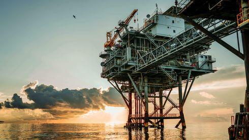 I 2020 var redningen å finne i oljen, gjennom Oljefondet, som kunne betale for nedstengning og godtgjørelser. Både verden og Norge vil fortsatt ha behov for olje og gass, mener Øystein Noreng