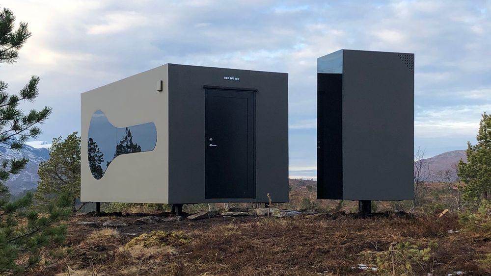 Man må ut for å bruke toalettet, til gjengjeld kan det leveres i flere størrelser, med og uten dusj, med og uten ekstra bodplass.