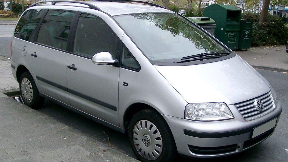 Forbrukeren kjøpte en slik Volkswagen Sharan i 2014 fordi den angivelig skulle ha store miljøfordeler. Nå er produsenten dømt til å kjøpe tilbake bilen i en sak som kan få store ringvirkninger.