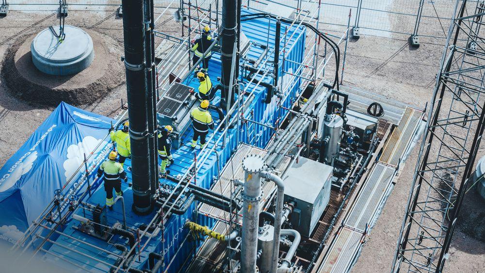 Nå er Aker Solutions i gang med testanlegget for CO2-fangst ved Preems raffineri i Lysekil i Sverige.