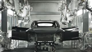 Fra produksjon av Tesla Model S.