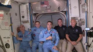 Her er astronautene om bord på ISS