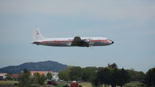 Her er det gamle Braathens SAFE-flyet hjemme igjen på Sola etter 49 år
