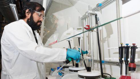 Lagde 100 enheter i forskningslab - fikk bestilling på 5,2 millioner testsett for koronavirus