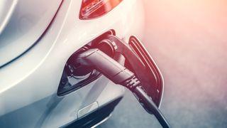 Sameiet ville ha elbil-lading på alle parkeringsplasser, uten å betale for det. Slik løste de det