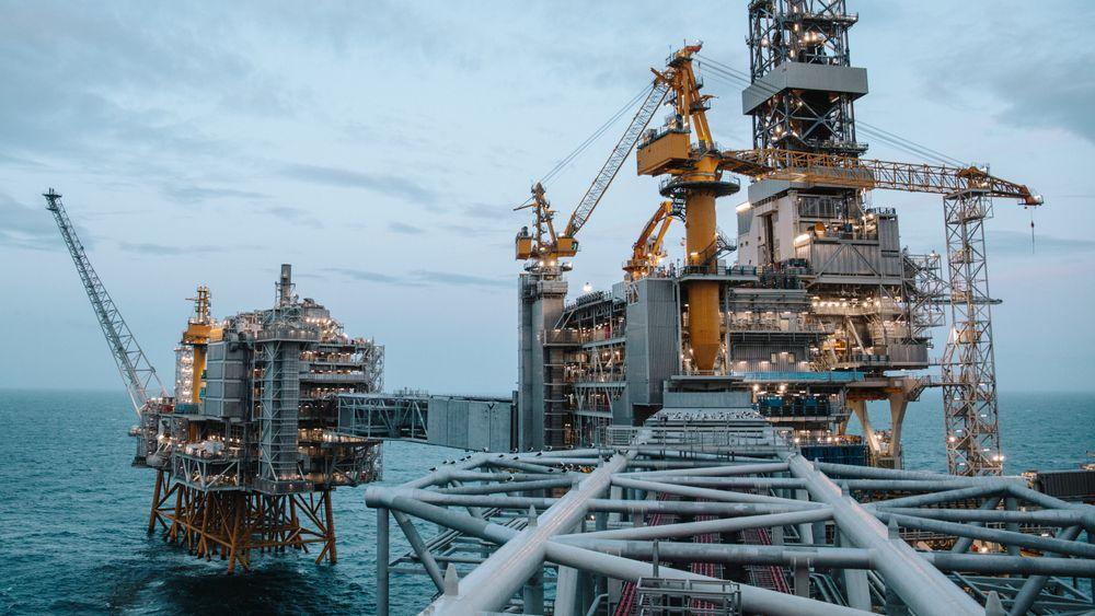 Ansatte i oljenæringen melder om økning i faktiske eller planlagte nedbemanninger selv om koronakrisen er i ferd med å avta og oljeprisen er på vei opp.