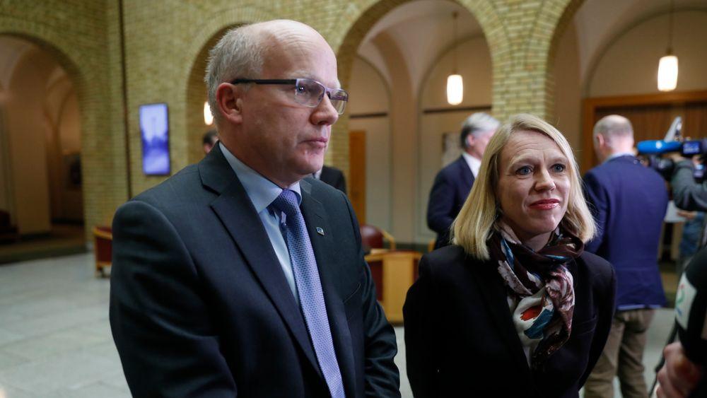 Høyres forsvarstopp på Stortinget Hårek Elvenes går hardt ut mot Aps Anniken Huitfeldt, som er leder i utenriks- og forsvarskomiteen.
