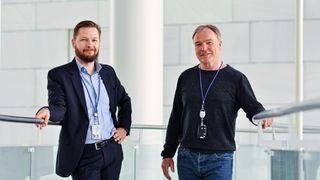 Selv om Globalconnect har egne datasentre kundene sine kan velge, er det ikke til å komme bort ifra at Microsoft har gode produkter kundene våre ønsker, sier produktsjef og sjef for kundekvalitet Martin Højriis Kristensen (til venstre): Her med kollega Sindre Urdal, produksjef for sky og sikkerhet.