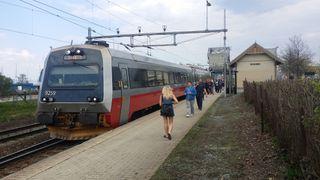 Endelig starter elektrifiseringen av Trønderbanen. Men dobbeltsporet er fremdeles lagt på is.