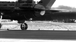 En vaier på rullebanen er siste redning dersom alt av bremser skjærer seg på en F-35