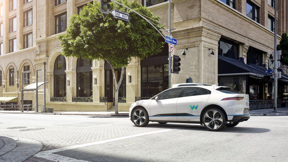 Selvkjørende Jaguar I-Pace med Waymo-system.