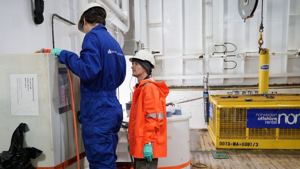Havforskningsinstitutet er blant forskningsinstitusjonene som får penger. Bilde fra prøvetaking om bord på G.O. Sars i juli 2019.