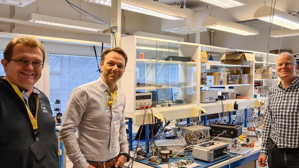 Noe helt nytt: PhD i fysikk, Ib-Rune Johansen (t.v.) og PhD i fotonikk, Thor Bakke (t.h.) er gründere i Tunable. De har fått med seg siv. ing Kristian Hovet til å lede selskapet som kan tilby en helt unik teknologi for å måle gasser.
