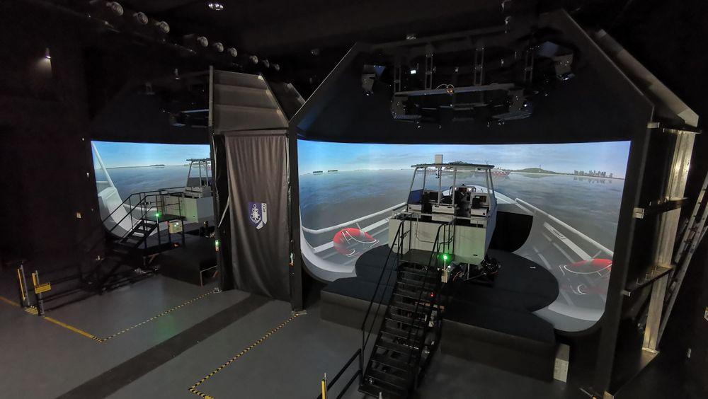 Med den nye Kongsberg-simulatoren trenes det på risiko-oppdrag i over 50 knop