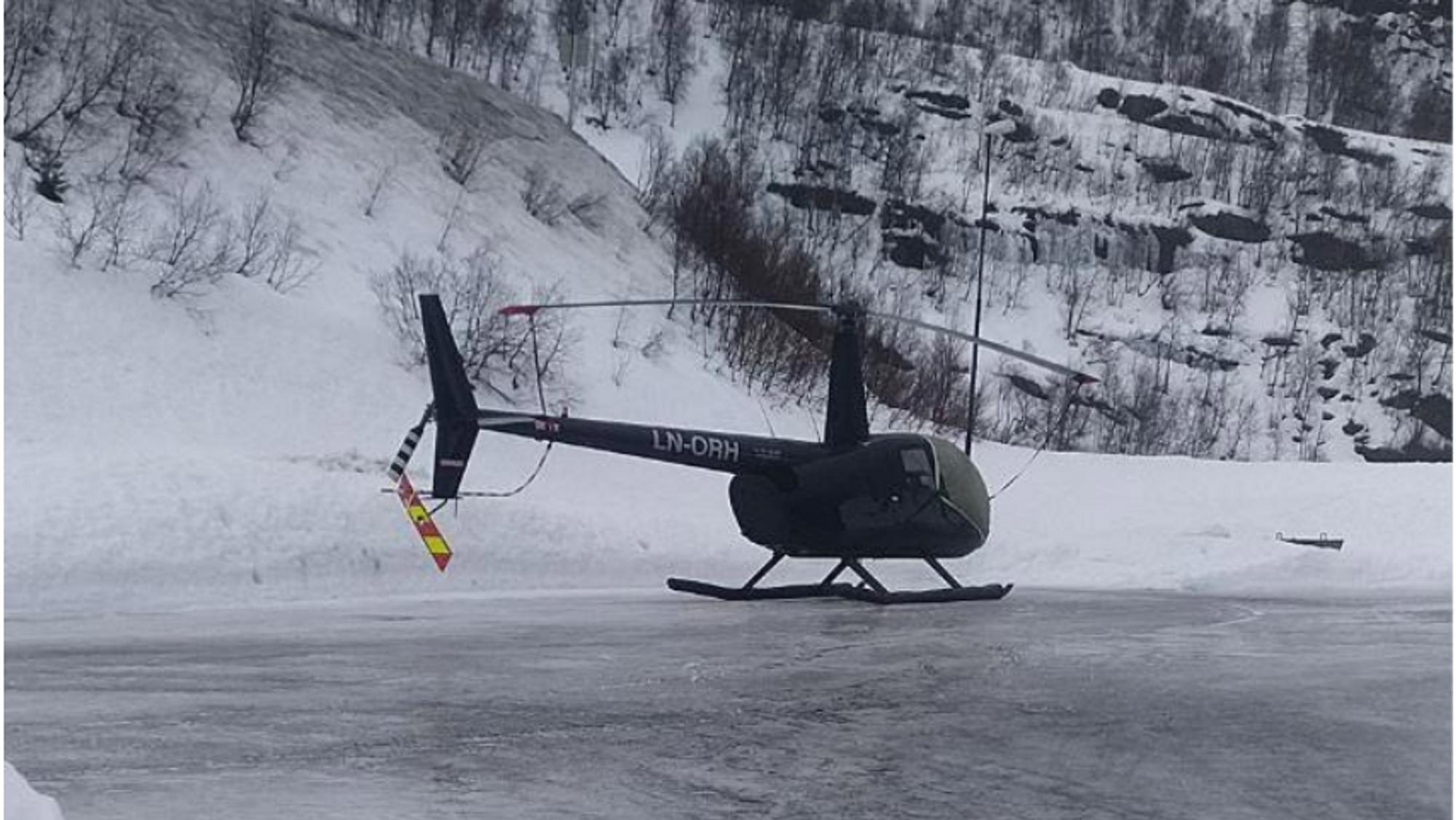 Ulykkeshelikopteret av typen Robinson R44 II før avgang.