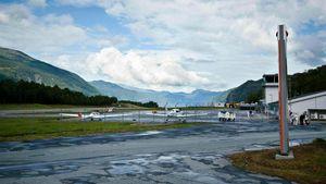 /2583/2583607/Sandane_Airport_Anda.300x169.jpg