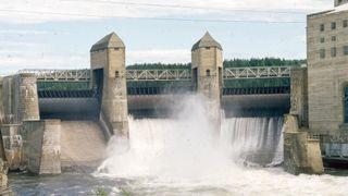 Solbergfoss ved Glomma i Askim er et elvekraftverk, og stod ferdig i 1924. Det utnytter gjennomstrøm av vann fremfor kraft fra store høyder for å produsere elektrisitet.