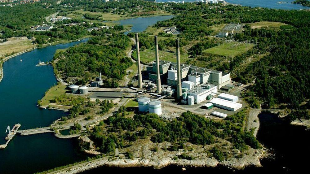 Karlshamn oljekraftverk brukes normalt bare til reservekraft om vinteren. Men på grunn av uventet høye strømpriser, fyrer eieren Uniper opp kraftverket igjen.