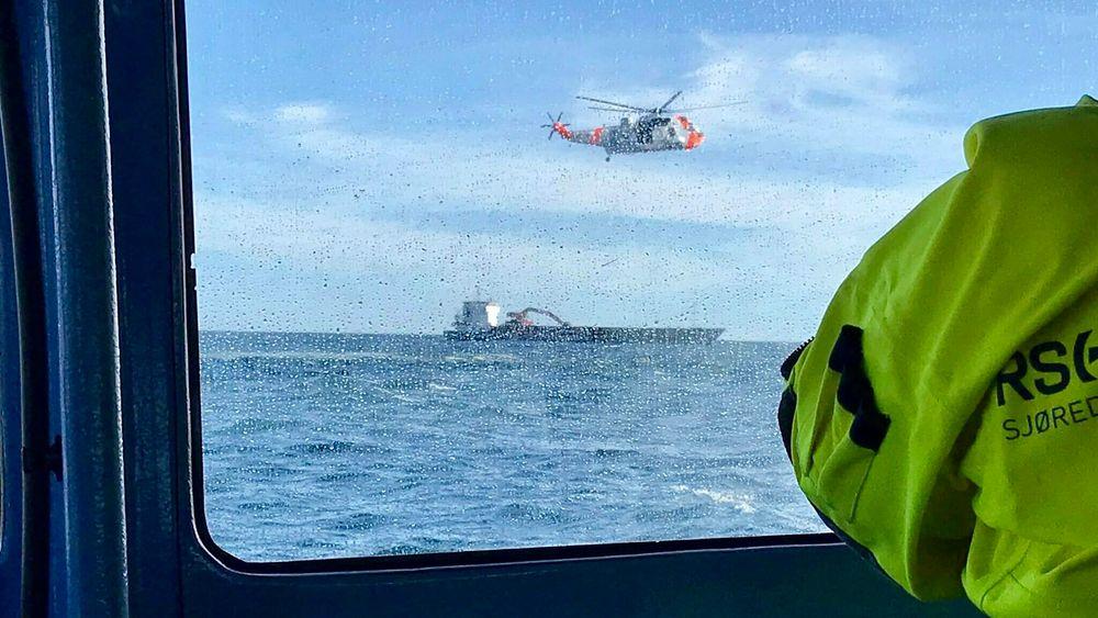 Dette bildet er tatt om bord på redningsskøyta «Bendt R. Rasmussen» da det ble søkt etter PA-28-flyet sør for Mandal lørdag 22. juni 2019.