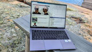 Nå kan Huaweis oppgraderte topp-PC snakke med mobilen – og skjermen er like super som før