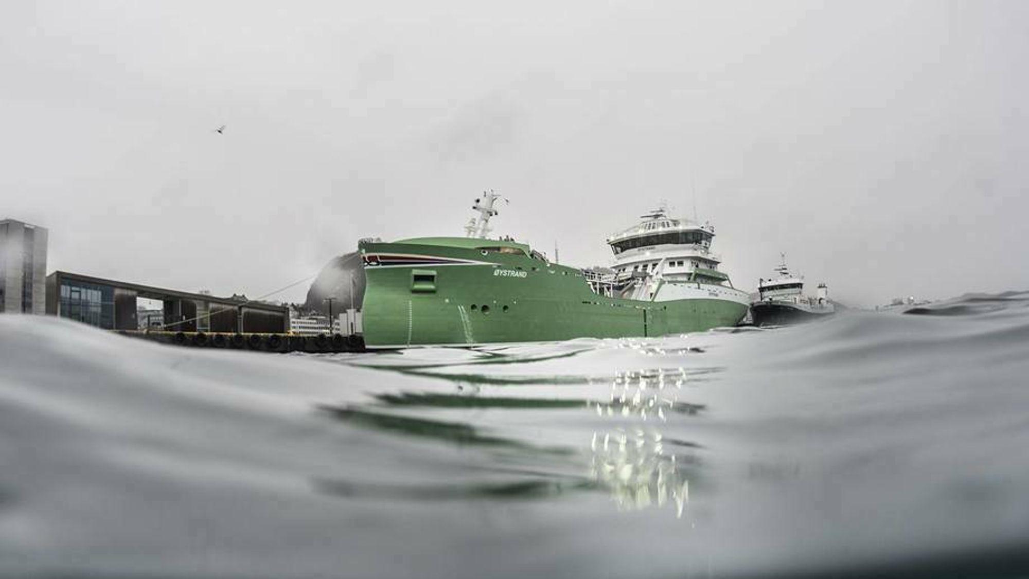 Brønnbåt MS Øystrand, bygget ved Aas Mek. Verksted for rederiet Bømlo Brønnbåtservice, som er eid av Sølvtrans AS.
