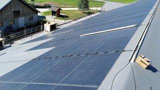 Norsk Sol solceller paneler virkningsgrad låvetak fasade lett rennebu landbruket enova johannes moen