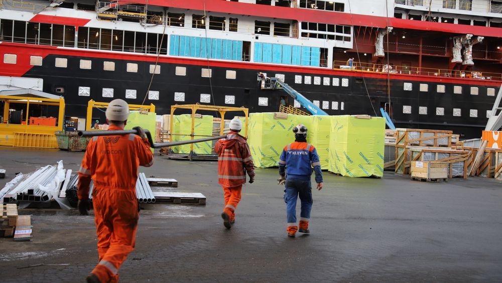 Kleven Verft var nær ved å gå konkurs da verftet bommet på bygging av Hurtigrutens Ekspedisjonsskip. Nå truer konkurs igjen.