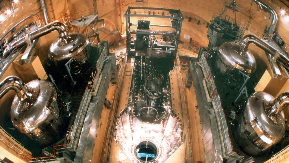Innsiden av en Mitsubishi-reaktor i Tsuruga, Japan.