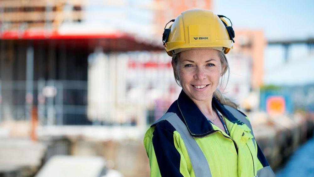 Camilla Moster er prosjektleder for innovasjon i BKK. Hun forteller til TU at det første konkrete byggeprosjektet med utslippsfri byggeplass i Bergen vil antakelig bli kunngjort i september.