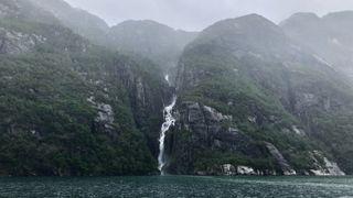 «Urovekkende passive»: Norsk vannkraft går til spille mens svenskene må bruke oljekondens