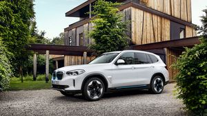 /2589/2589707/P90392995_highRes_the-first-ever-bmw-i.300x169.jpg