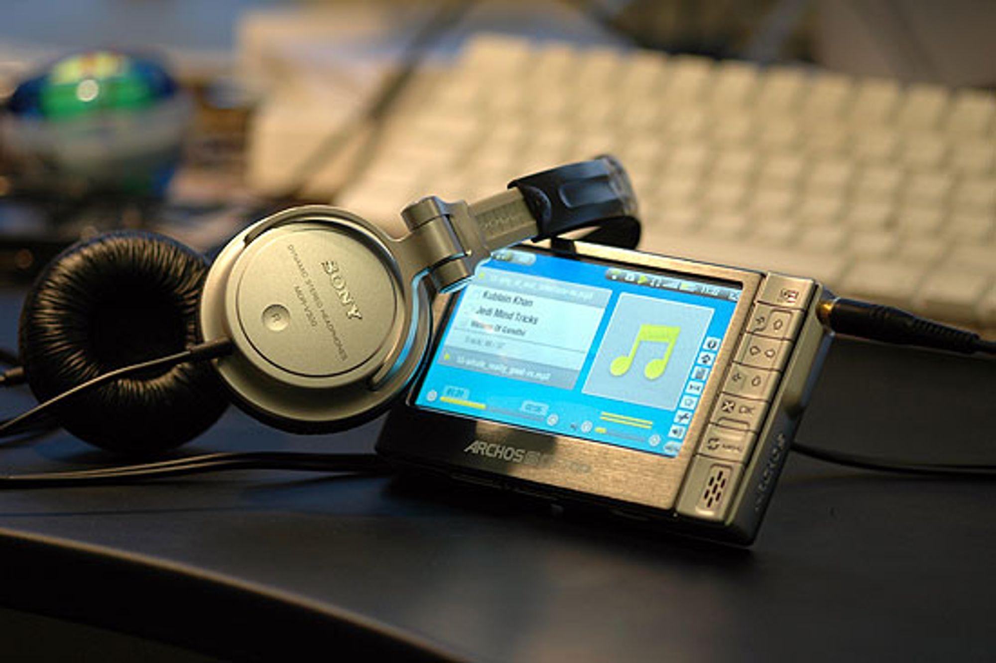 Archos 604-WiFi spiller musikk og video. (Alle foto: Marius Valle)