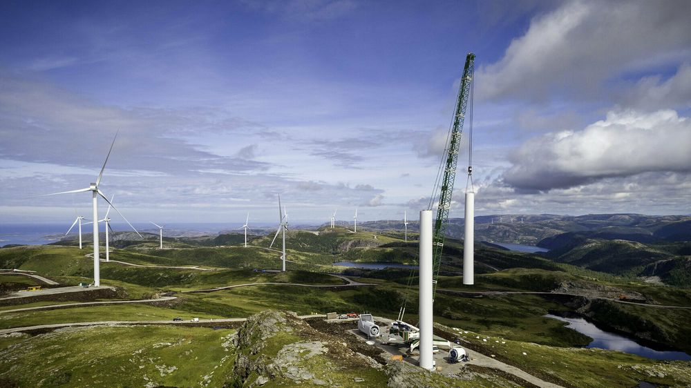 Levetidskostnadene for henholdsvis vindkraft og vannkraft er så forskjellige at de ikke bør sammenliknes, skriver artikkelforfatterne.
