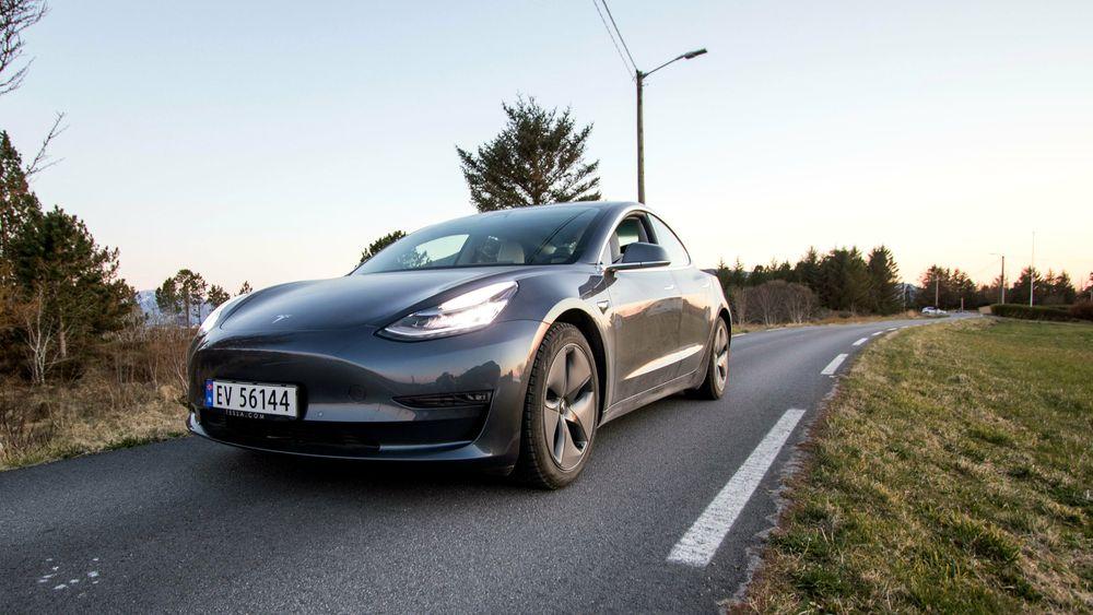 Tesla Model 3 er også i år mest solgte elbilmodell i Sverige, viser statistikken over nyregistrerte biler i 1. halvår.