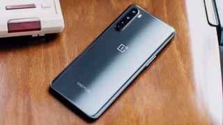 En rimelig mobil som har mye til felles med de kostbare konkurrentene – inkludert 5G
