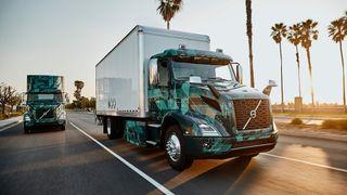 Krever tungtransport på strøm: Setter tidsfrist for lastebiler med fossilt brensel