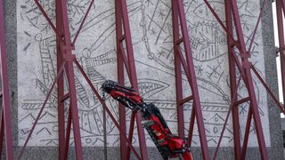 Kunsten fra Y-blokka er løsnet fra veggen