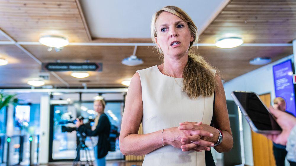 Avdelingsdirektør Line Vold ved Folkehelseinstituttet (FHI) frykter mer koronasmitte etter utbruddet på Hurtigruten.