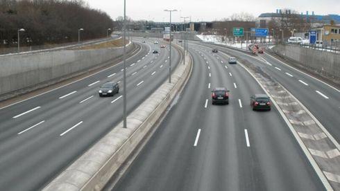 Kvinne mistet livet da betong fra autovernet havnet i kjørebanen