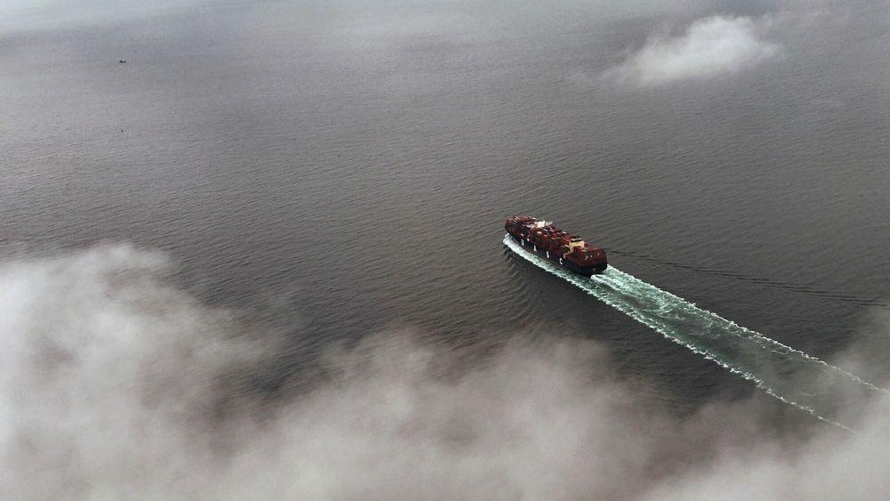 Utslippene øker fra shipping-industrien selv om både skipene er blitt mer miljøvennlige, ifølge ny IMO-rapport.