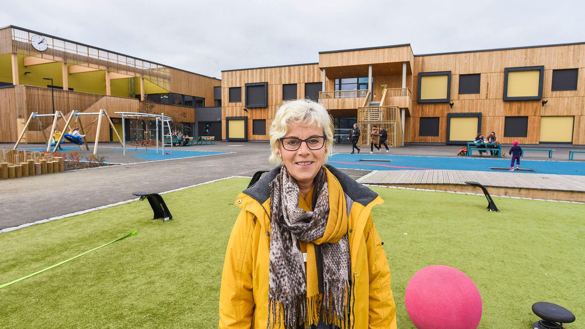 – Ekko er det verste for oss, det er veldig ubehagelig. Her er det bare ekko på lageret, forteller rektor Liv Welde Vikan ved Steinkjer skole.