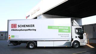 Denne lastebilen frakter varer i Oslo helt utslippsfritt.